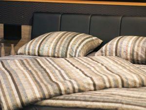 Hotel Pension Bedroom Bed